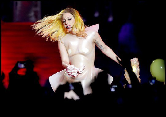 PHOTOS - Lady Gaga au Palais Omnisports de Paris Bercy
