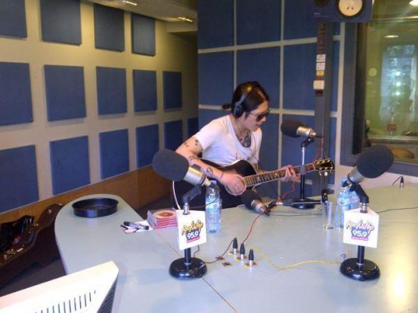 MIYAVI a une radio (fm ROCK&POP) en Amérique du sud (novembre 2011)