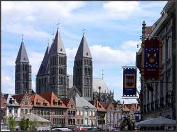 2014-05-25- TOURNAI - QUID DE LA CATHEDRALE