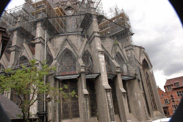 2015-07-26-TOURNAI – LA CATHEDRALE VOUS ATTEND