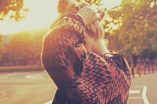 ~ Chaque personne qu'on s'autorise à aimer, est quelqu'un qu'on prend le risque de perdre.