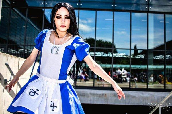 Megane Universe (Cosplay Alice Madness Returns)