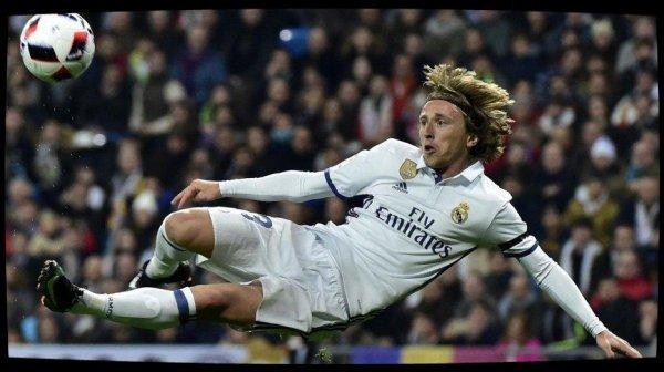 Real Madrid : Luka Modric récupère le numéro 10 après le départ de James Rodriguez