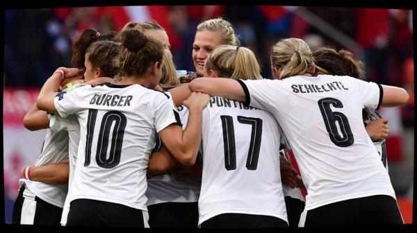 L'Autriche écrase l'Islande 3-0 et termine en tête du groupe C, devant la France