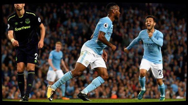 Réduit à dix, Manchester City arrache le nul contre Everton (1-1)