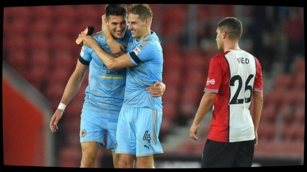 Coupe de la Ligue anglaise : Southampton éliminé au 2e tour, Stoke en balade