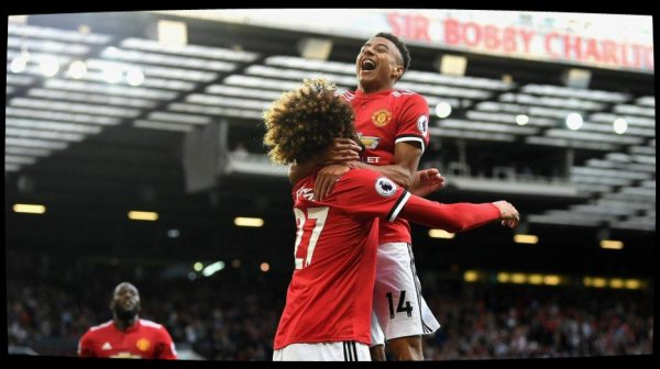 Manchester United bat Leicester (2-0) et poursuit son carton plein