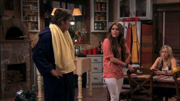les captures du dernier épisode d'Hannah Montana Sont Bientot Diffusé En France !!! Vivement , Elle a L'air Tres Forte en Emotiiion :). Votre Avis?