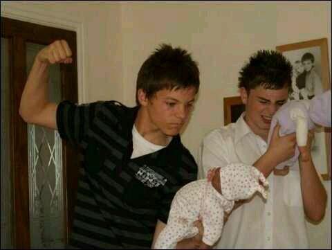 Louis est adorable avec les enfants :3