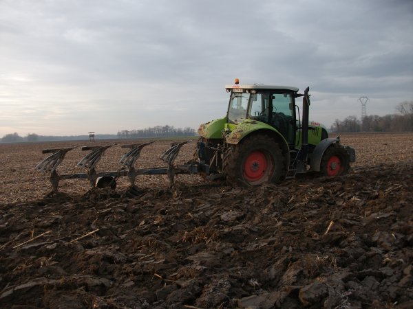 labour avec un claas arion 620