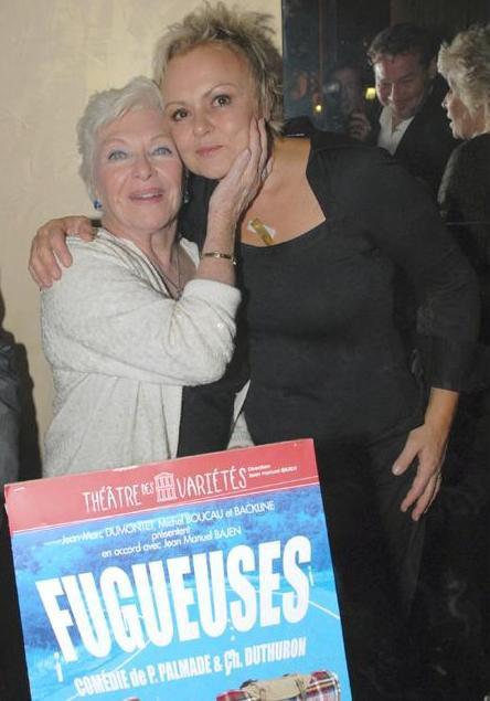"""PHOTO : Muriel Robin & Line Renaud fêtent la dernière de """"Fugueuses"""" (5 Janvier 2008)"""