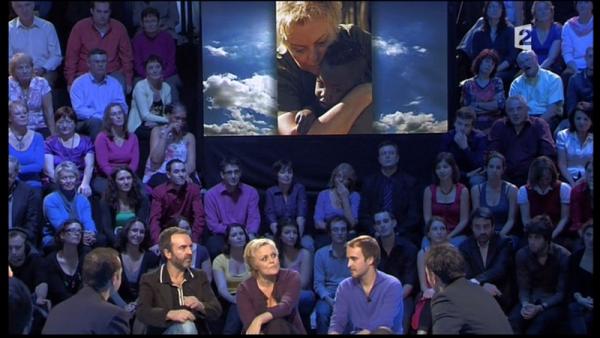 """Passage TV : Muriel Robin invitée à l'émission """"Retour en terre inconnue"""", Mardi 1er Décembre."""