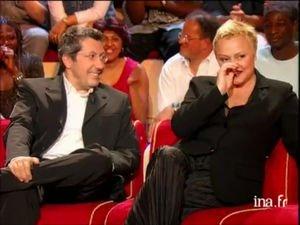 Vidéo : Muriel Robin et Alain Chabat dans un sketch improvisé.