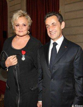 NEWS : Muriel Robin à reçu la Légion d'Honneur par Nicolas Sarkozy.