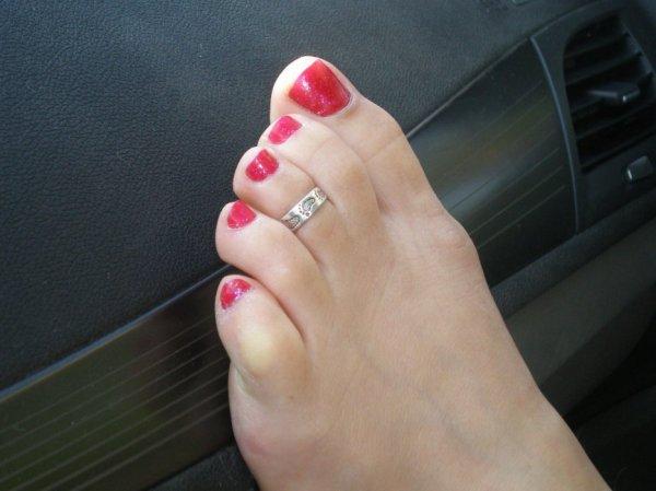 """Une serie de jolie petons ( Toe Ring ) du Blog de """"petonssplendides"""" 9"""