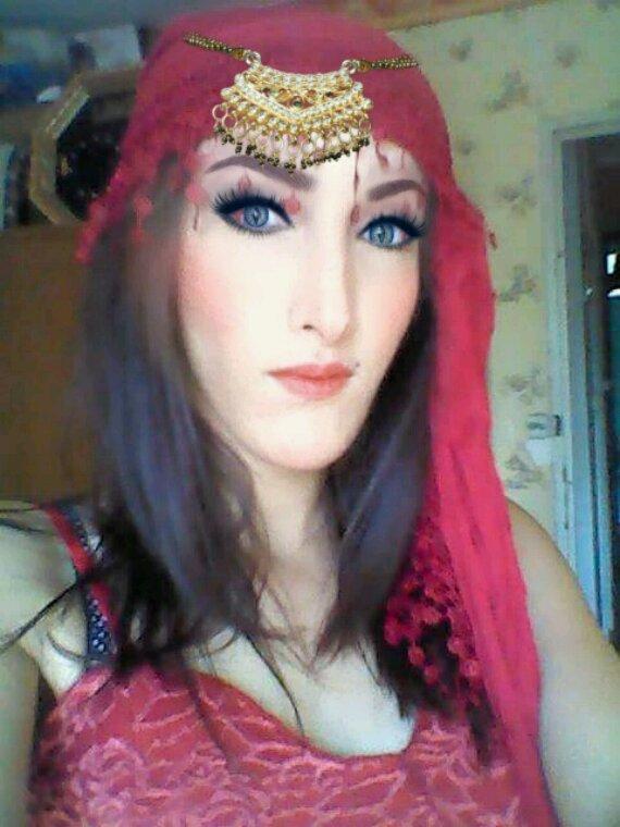 Palestinienne kurde iranniene la beauté du Moyen-Orient et la beauté des perse merci à maman et papa a se qe vous m avais donner ❤?
