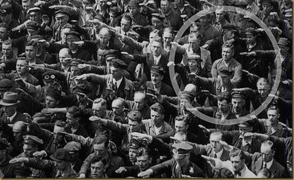 HISTOIRE INSPIRANTE : L'HOMME QUI REFUSA DE FAIRE LE SALUT NAZI