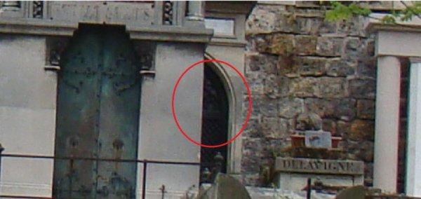 Cimetière du père lachaise à Paris le 23 Avril 2016