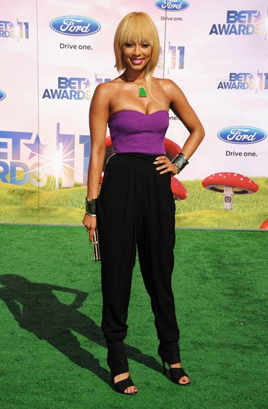 Keri Hilson BET Awards 2011 show
