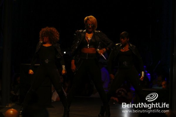 PERFORMANCES >  OCTOBER 2011
