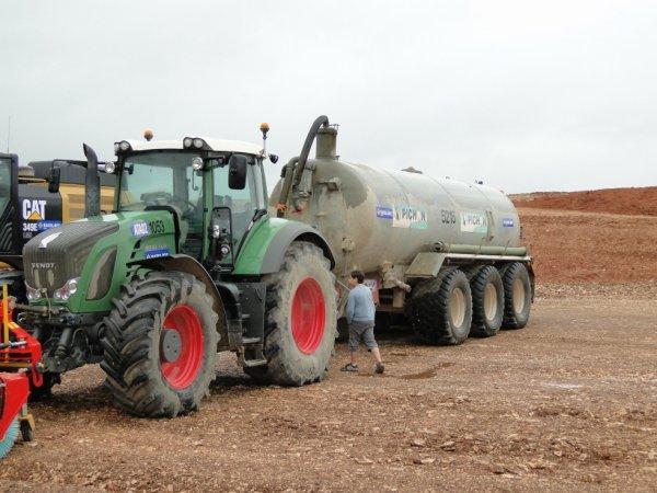 fendt 930 avec une tonne a eau Pichon
