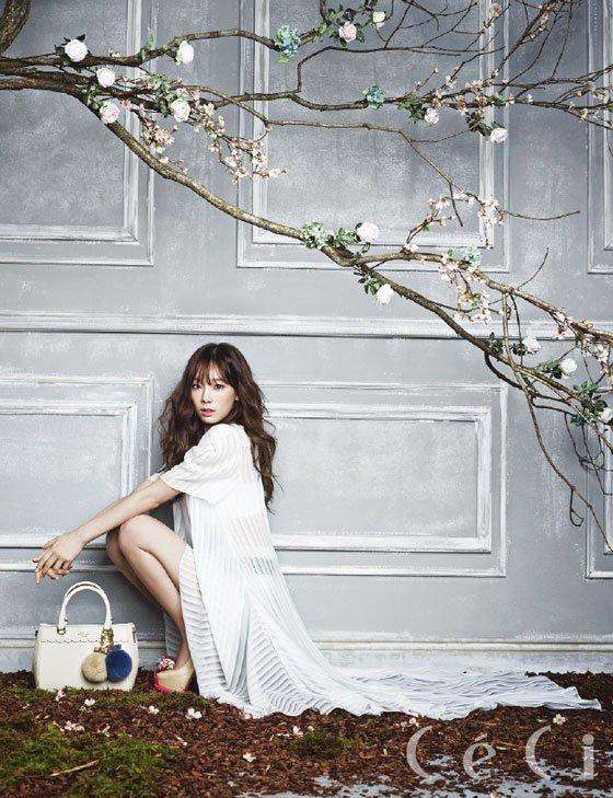 TaeYeon (SNSD) (2)