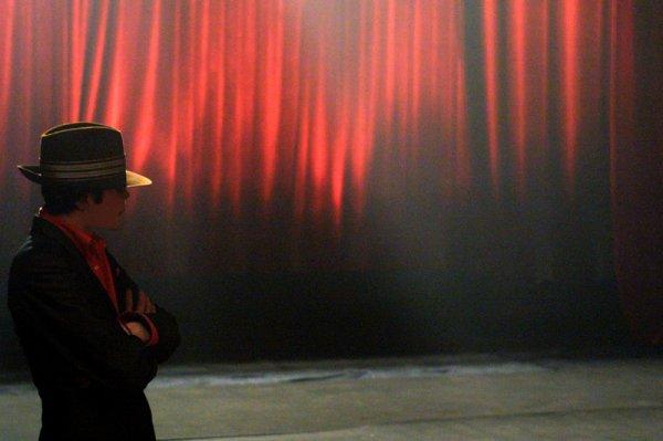 """""""Je ne pense pas que je suis meilleur que les autres, je pense que je suis différent des autres car je fais des choses différentes."""" Michael Jackson"""