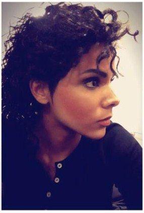 La chanteuse Shy'm en Michael Jackson