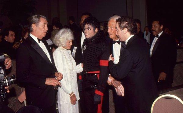 """David Guest (à droite de la photo) avait réalisé le film """"Michael Jackson The life of an Icon"""""""
