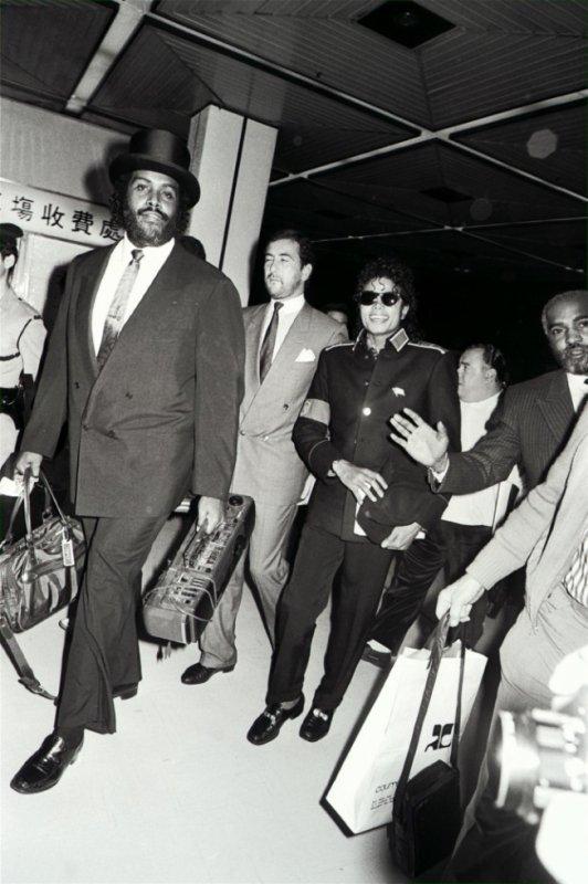Arrivée de Michael au Japon