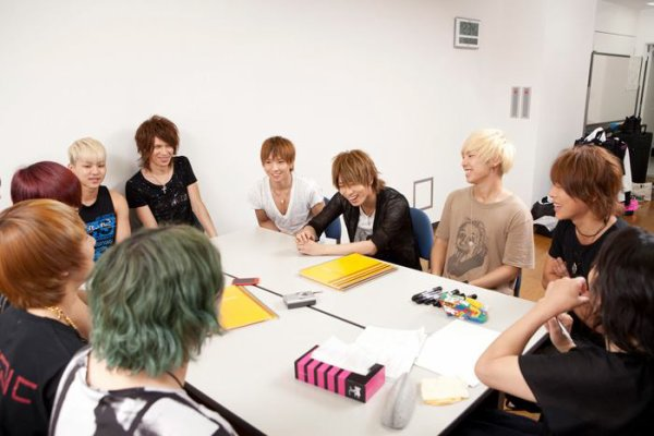 Photos de ViViD et de MYNAME part 1.