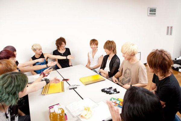 Photos de ViViD et de MYNAME part 2