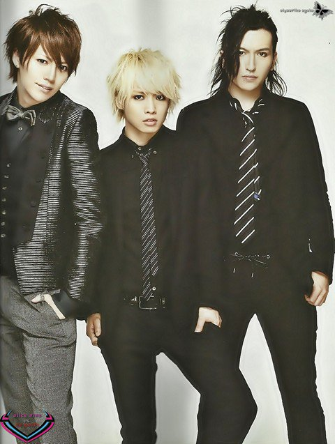 Scans du SHOXX  vol 237  avec Alice  Nine & MUCC part 2