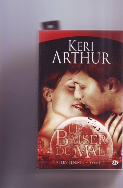 Passage le baiser du mal riley jenson tome2