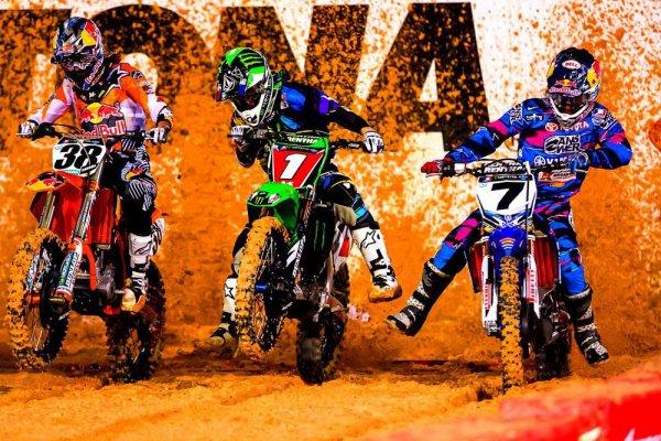 """Le motocross est de loin le sport le plus complexe. Il faut avoir la flexibilité d'un gymnaste, la force d'un haltérophile, l'endurance d'un cycliste, le sang froid d'un joueur de poker et l'intelligence d'Einstein"""" Jeff SPENCER (entraineur américain)"""
