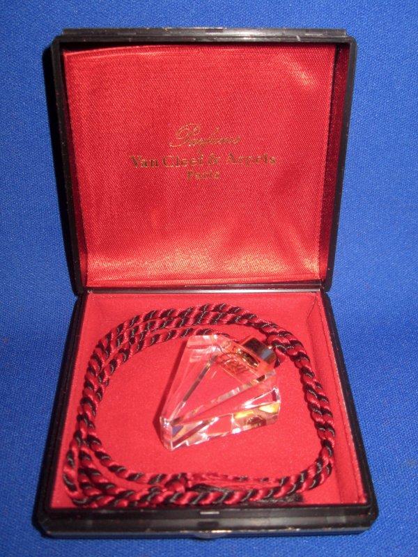 ✿ Van Cleef & Arpels - GEM - pendentif en cristal ✿