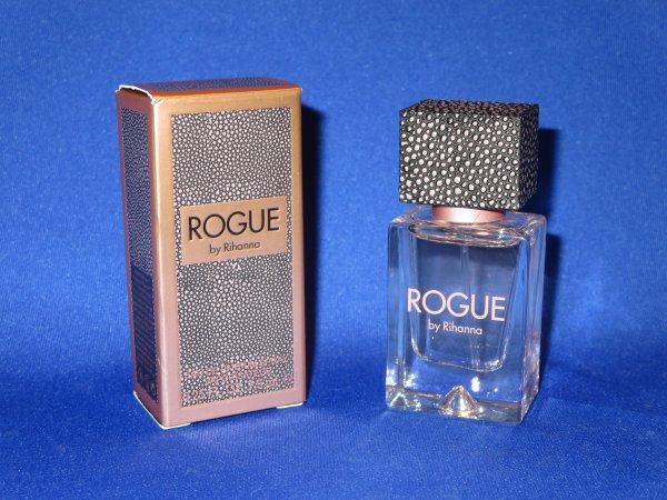 ✿ Rihanna - ses parfums ✿