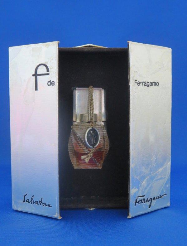 ✿ Ferragamo - F - parfum - 1ère taille ✿
