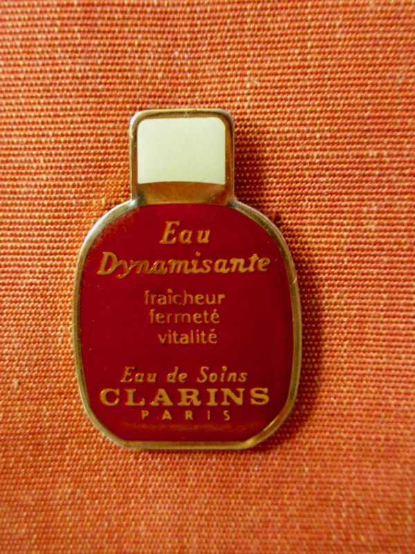 ✿ Clarins - pin's ✿