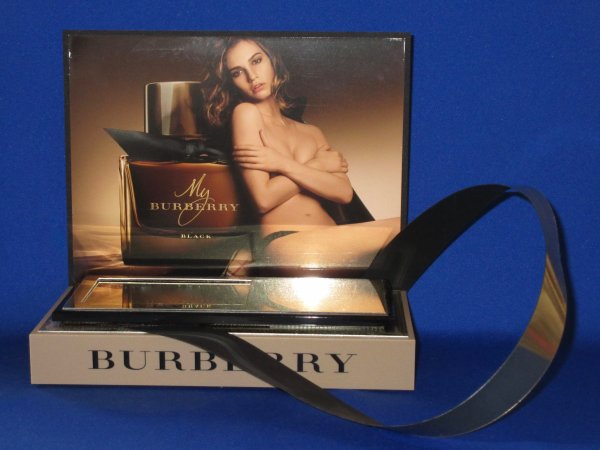 ✿ Burberry - MY BURBERRY - présentoir ✿