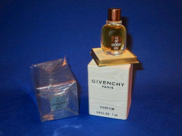 ✿ Givenchy - LE DE ✿