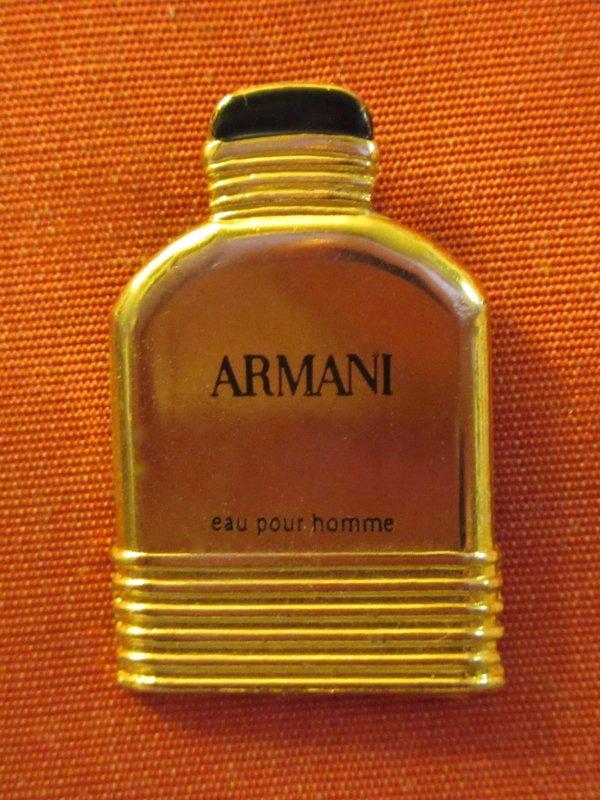 ✿ Armani Giorgio - pin's ✿