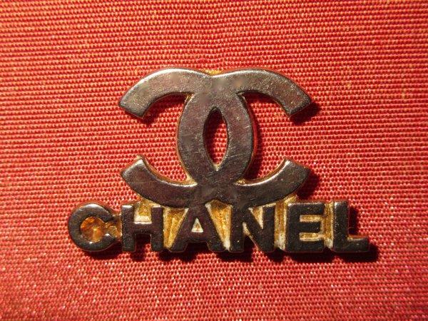 ✿ Chanel - pin's ✿