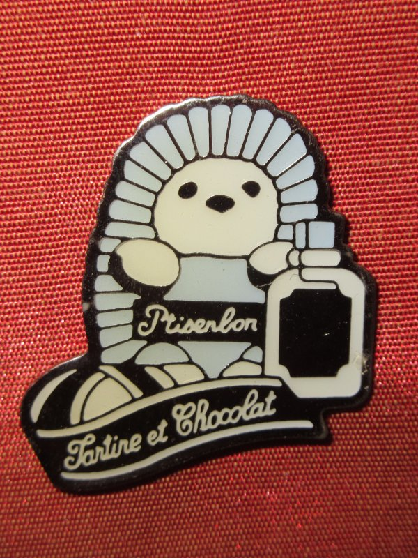 ✿ Givenchy - pin's ✿
