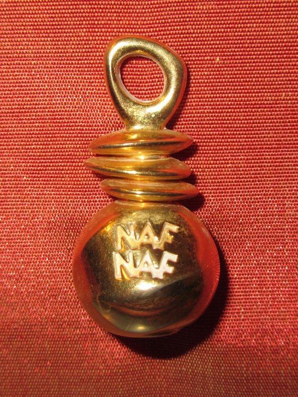 ✿ Naf Naf - pin's ✿