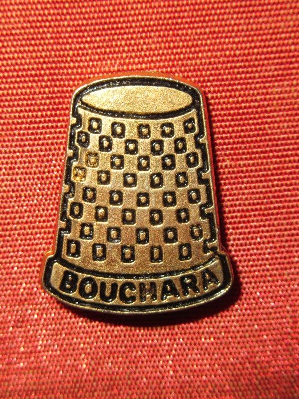 💜 Bouchara tissus Paris  - pin's 💜
