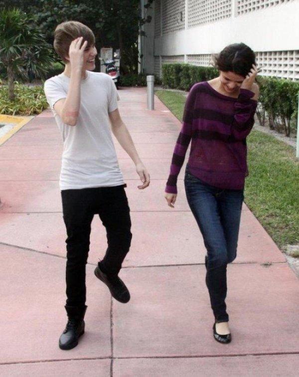 Justin et Selena, ils sortent ensembles ! ( Mais ils n'ont pas dormi dans la même villa a Sainte-Lucie )