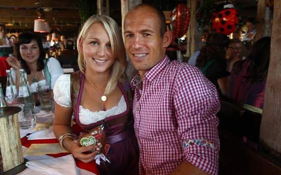 Arjen Robben Bernadien Luka Lynn & Kai