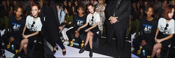 . 11/09/2016 : Sarah et Jaden ont été aperçus pour la « Fashion Week 2016 » située cette fois encore à New York. Bien que je la préfère en blonde, Sarah Snyder a tenté une nouvelle fois le roux. Qu'en pensez-vous? Côté tenue, c'est un sans faute pour Snyder. .