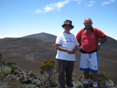 martha et martel au volcan,derriere vous pouvez voir la fournaise